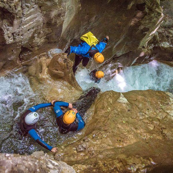 صخره دره غار نوردی
